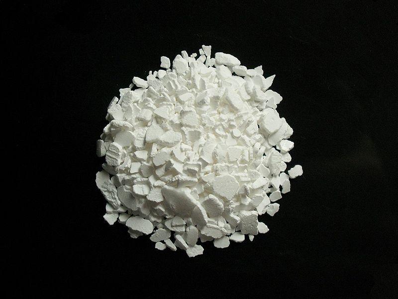 800px-Calcium_chloride_CaCl2